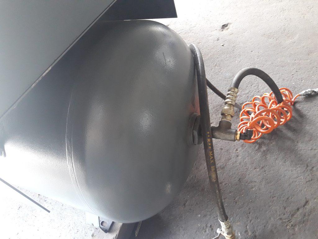 máy nén khí Atlascopco 7.5Kw